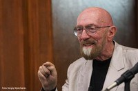 The UPC will award an honorary doctoral degree to the American astrophysicist Kip S. Thorne